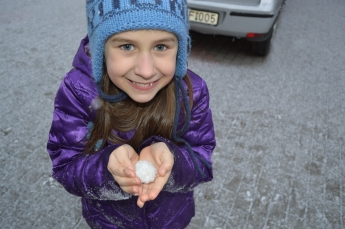 Little Eryn's tiny snowball